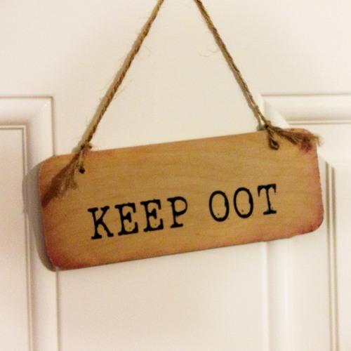 Wooden door sign keep oot north east gifts - Wooden door signs for home ...